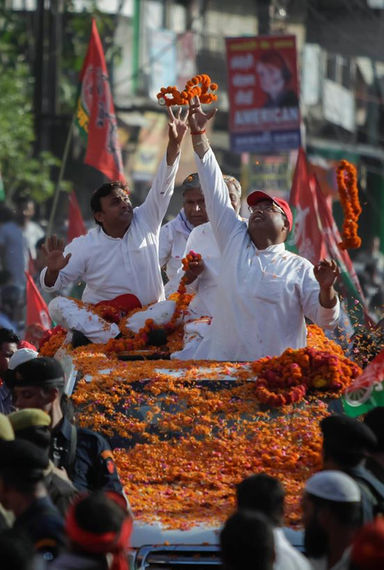 Uttar Pradesh Chief Minister Akhilesh Yadav holds roadshow in Lucknow