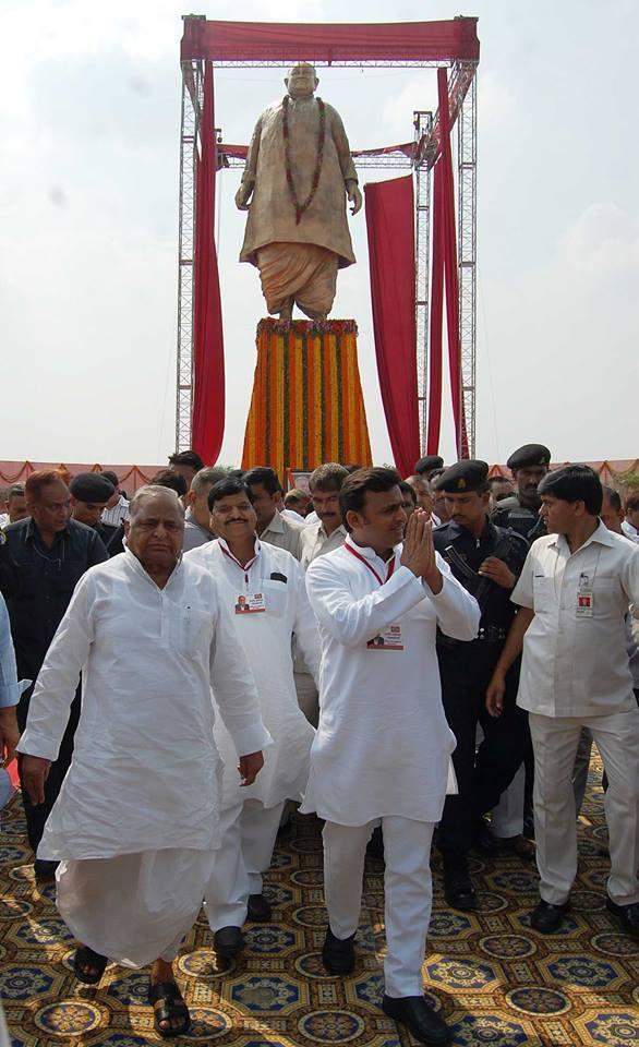 मुख्यमंत्री श्री अखिलेश यादव ने कहा, गांवों को खुशहाल बनाए बिना उत्तर प्रदेश और देश खुशहाल नहीं होगा