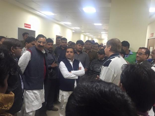 बदायूं सांसद श्री धर्मेद्र यादव ने किया मेडिकल कालेज का निरीक्षण किया।