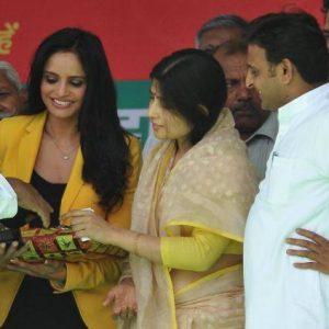 Congress, BJP luring actors for Lok Sabha polls, says Akhilesh Yadav