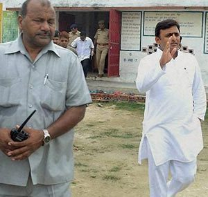 Akhilesh Yadav issues directions to repair Barabanki-Bahraich-Rupaidiha road by April 2, 2014