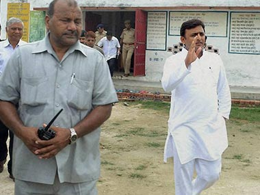 Akhilesh Yadav issues directions to repair Barabanki-Bahraich-Rupaidiha road by April 2, 2014