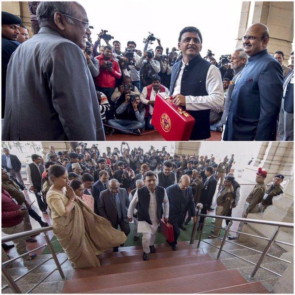 उत्तर प्रदेश के मुख्यमंत्री श्री अखिलेश यादव 12 फरवरी, 2016 को वित्तीय वर्ष 2016 17 का बजट प्रस्तुत करने के लिए विधान सभा में जाते हुए।
