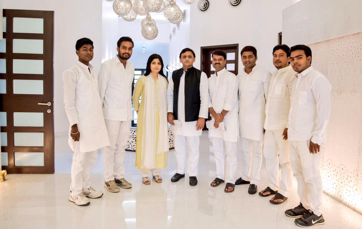 Chief Minister Akhilesh Yadav with the recently elected Student Union Leaders from Varanasi