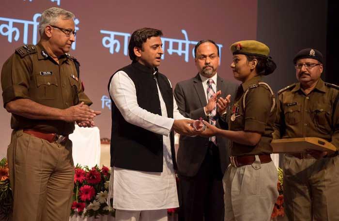 पुलिस सप्ताह पर वरिष्ठ पुलिस अधिकारियों को मुख्यंमत्री श्री अखिलेश यादव का सम्बोधन