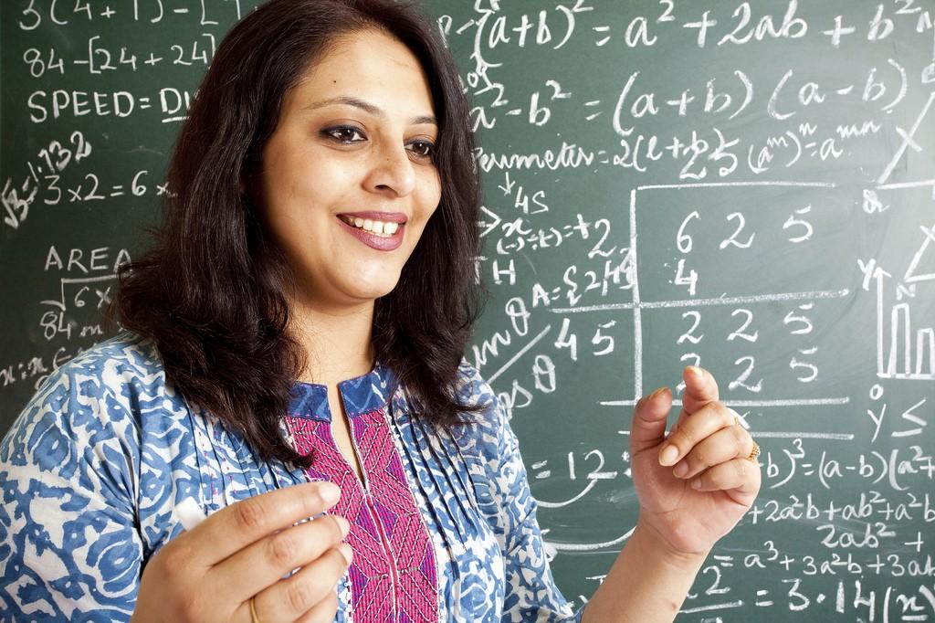 यूपी में 12 हजार प्राथमिक शिक्षकों की भर्ती - मुख्यमंत्री श्री अखिलेश यादव