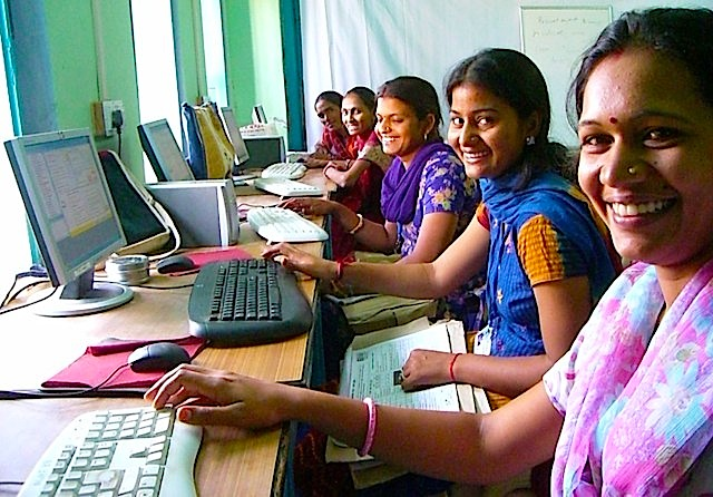 यूपी की 40 लाख ग्रामीण महिलाओं को मिलेगा इंटरनेट का प्रशिक्षण - मुख्यमंत्री अखिलेश यादव