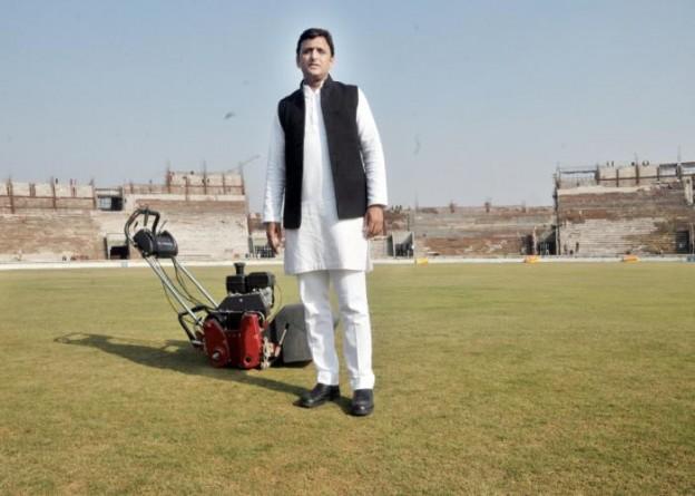 उत्तर प्रदेश के मुख्यमंत्री श्री अखिलेश यादव ने 19 दिसम्बर, 2015 को लखनऊ में बन रहे अन्तर्राष्ट्रीय क्रिकेट स्टेडियम का निरीक्षण किया।