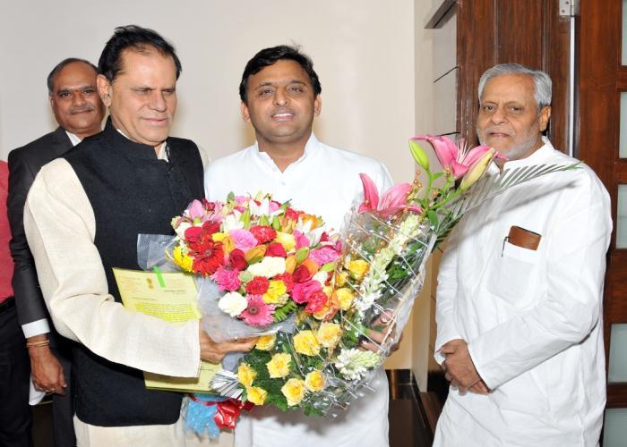 उत्तर प्रदेश के मुख्यमंत्री श्री अखिलेश यादव से 14 जून, 2015 को उनके सरकारी आवास 5, कालिदास मार्ग पर सांसद डाॅ0 टी0 सुब्बारामी रेड्डी ने भेंट की।