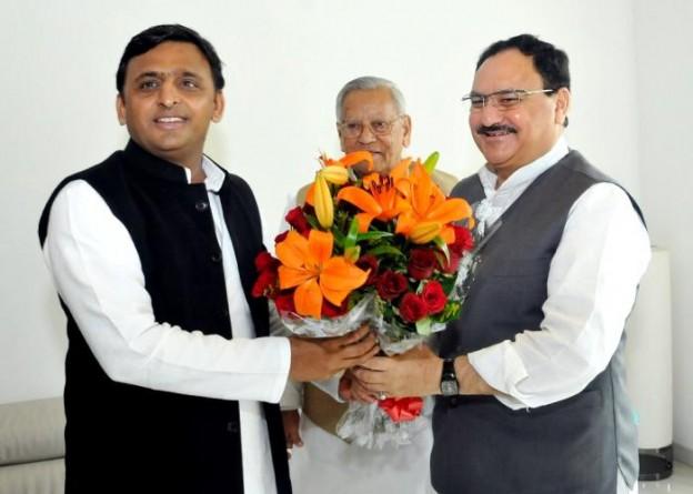 उत्तर प्रदेश के मुख्यमंत्री से 20 फरवरी, 2015 को उनके सरकारी आवास पर केन्द्रीय स्वास्थ्य एवं परिवार कल्याण मंत्री श्री जे.पी. नड्डा ने भेंट की।
