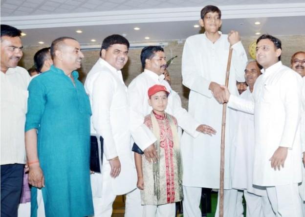 उत्तर प्रदेश के मुख्यमंत्री श्री अखिलेश यादव 31 जुलाई, 2015 को अपने सरकारी आवास पर आयोजित एक कार्यक्रम के दौरान।