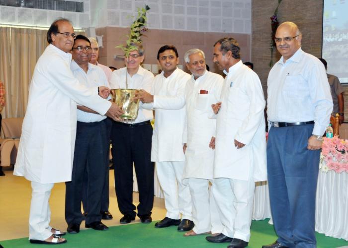 Akhilesh Yadav kickstarts state level Van Mahotsava