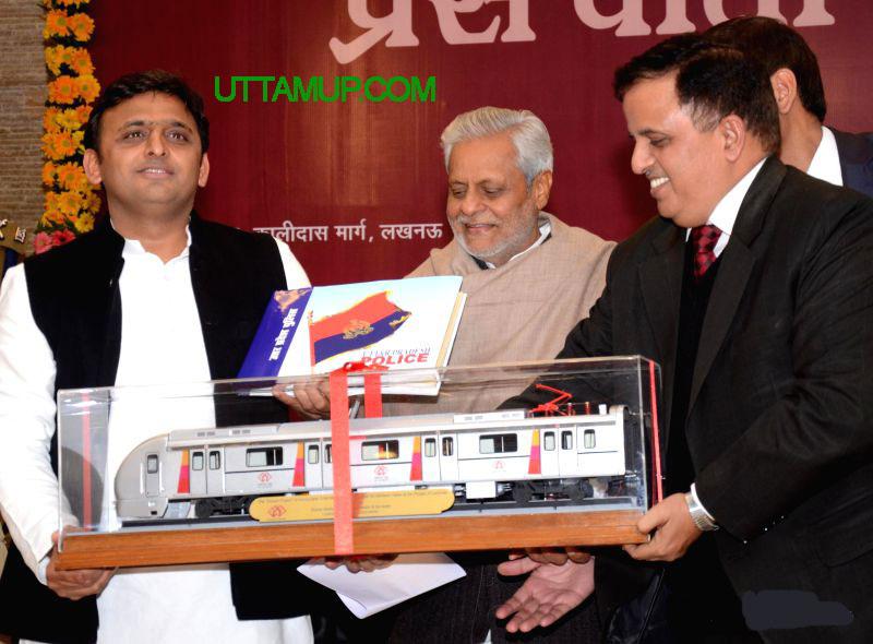 वाराणसी मेट्रो रेल परियोजना का डी0पी0आर0 अनुमोदित: मुख्यमंत्री श्री अखिलेश यादव