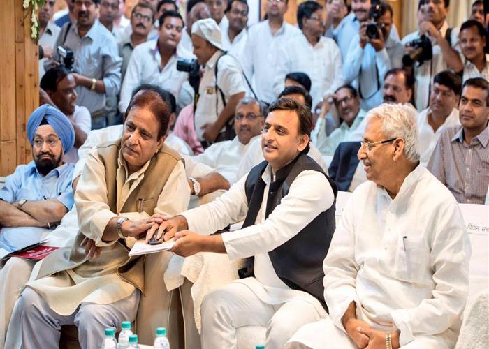 मुख्यमंत्री श्री अखिलेश यादव ने विधान सभा की कार्रवाइयों के डिजिटाइजेशन का शुभारम्भ किया