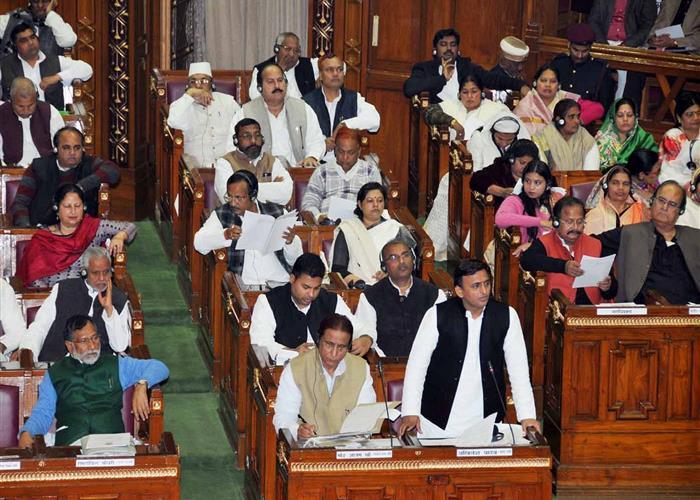 मुख्यमंत्री श्री अखिलेश यादव द्वारा विधान सभा में वित्तीय वर्ष 2016-17 के लिए 1683.11 करोड़ रु0 की द्वितीय अनुपूरक मांगें पेश