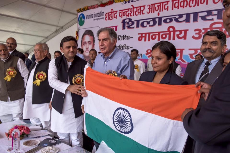 माननीय मुख्यमंत्री जी एवं श्री रतन टाटा जी अरुणिमा सिन्हा जी की एकेडमी के शिलान्यास कार्यक्रम में