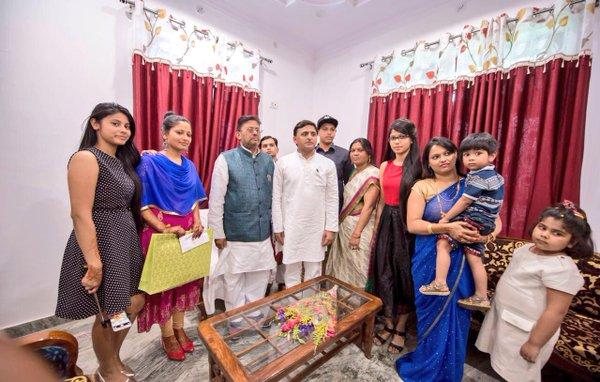 Chief Minister Akhilesh Yadav at ex MP Tufani Saroj's daughter's wedding in Jaunpur
