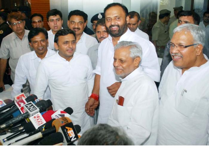 Akhilesh Yadav assures of full cooperation of treasury benches during the session