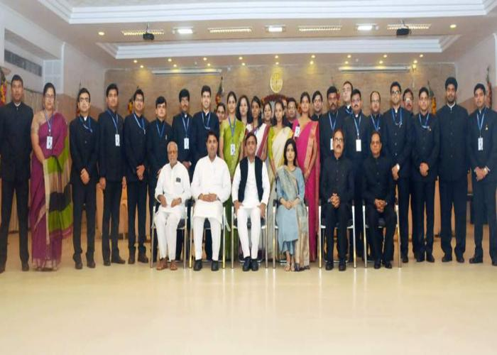 Chief Minister Akhilesh Yadav with IAS and IFS probationers