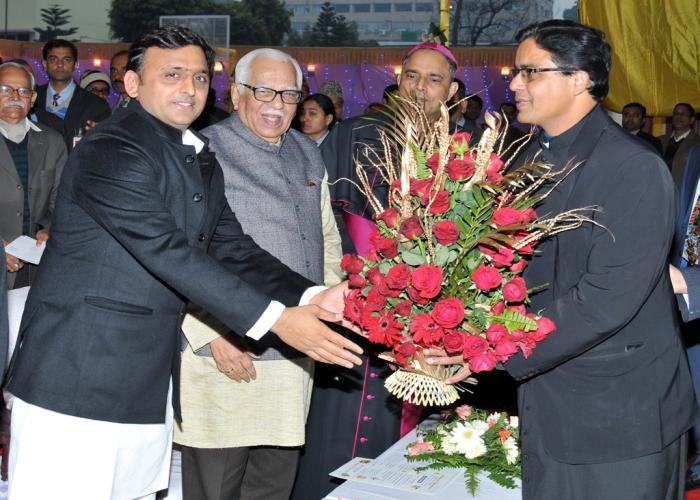 26 दिसम्बर, 2014 को मुख्यमंत्री श्री अखिलेश यादव लखनऊ में यीशू जयन्ती मिलन समारोह के अवसर पर।