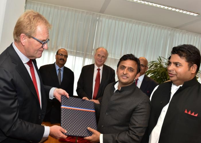 MoU signed between the state government and the Netherlands Agro Food Tech Centre for Agro and Dairy Farm