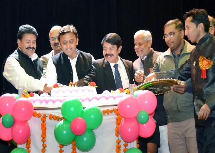 मुख्यमंत्री श्री अखिलेश यादव 15 दिसम्बर, 2015 को जनपद इटावा में उ0प्र0 ग्रामीण आयुर्विज्ञान एवं अनुसंधान संस्थान, सैफई के स्थापना दिवस के अवसर पर।