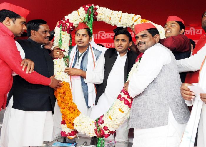 उत्तर प्रदेश के मुख्यमंत्री श्री अखिलेश यादव का 12 मार्च, 2015 को जनपद बांदा में अभिनन्दन।