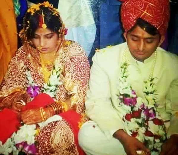 मुख्यमंत्री अखिलेश यादव और डिम्पल यादव की शादी