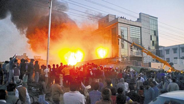 साहिबाबाद दुर्घटना में मृतकों के परिजनों को दो-दो लाख रु0 की आर्थिक सहायता - मुख्यमंत्री श्री अखिलेश